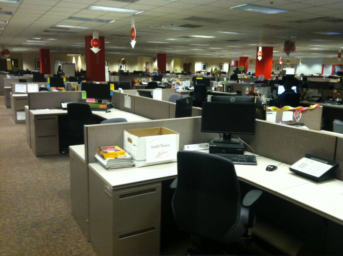 Chiroform Ultra's ability to stand up to the toughest work environments was the perfect fit for retailer Macy's call centres.